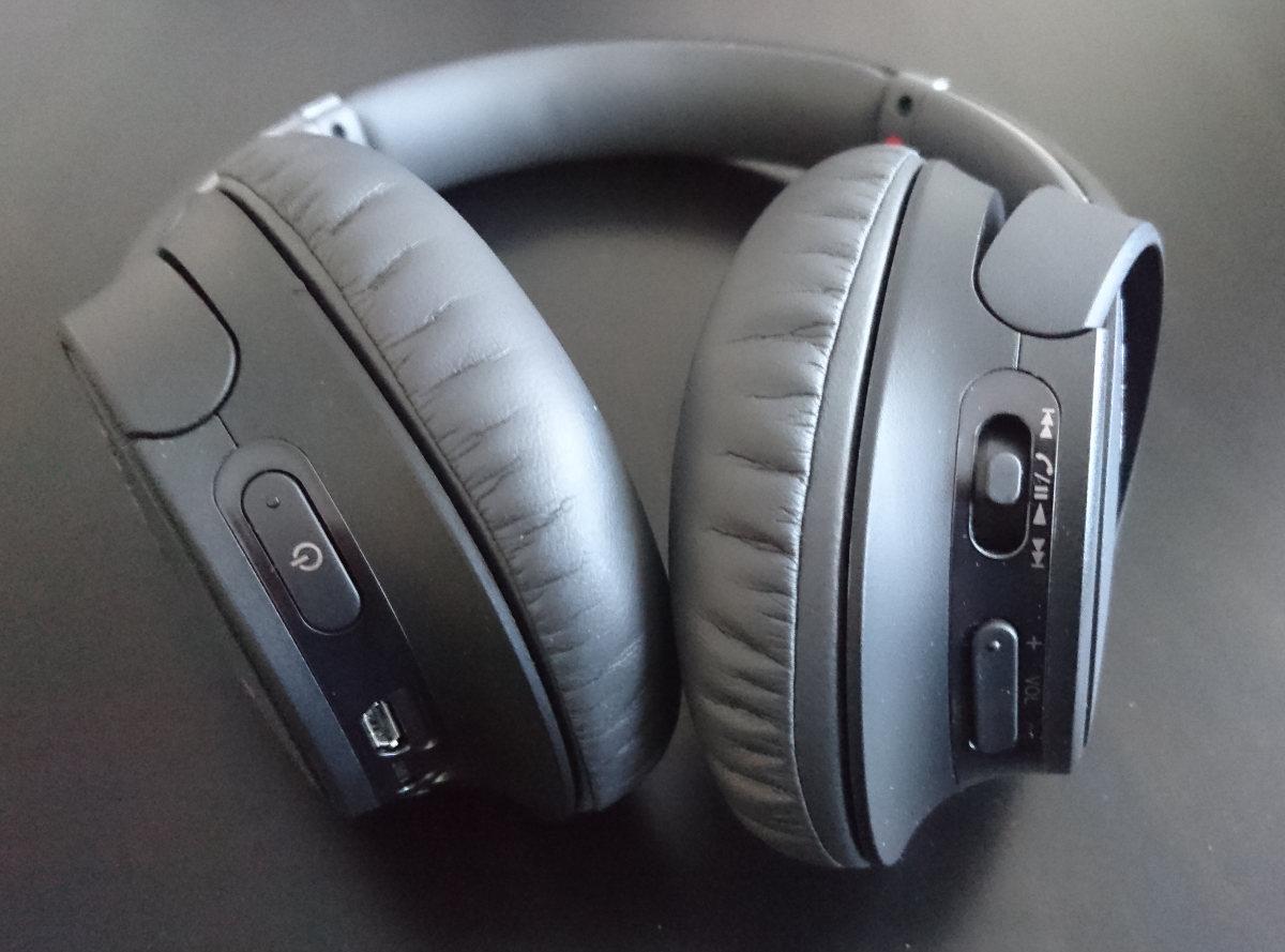 botones en el Sony WH-CH700N