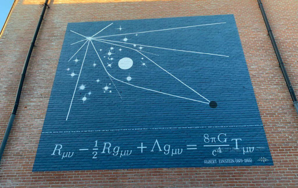 mural leiden einstein ecuaciones de campo