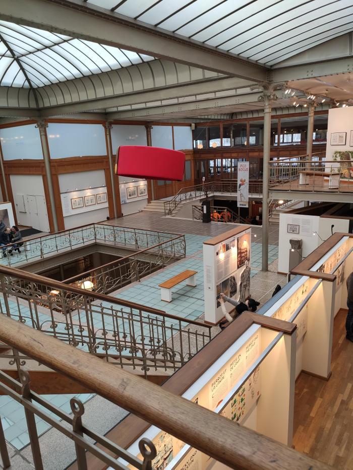 centro belga del cómic segundo piso