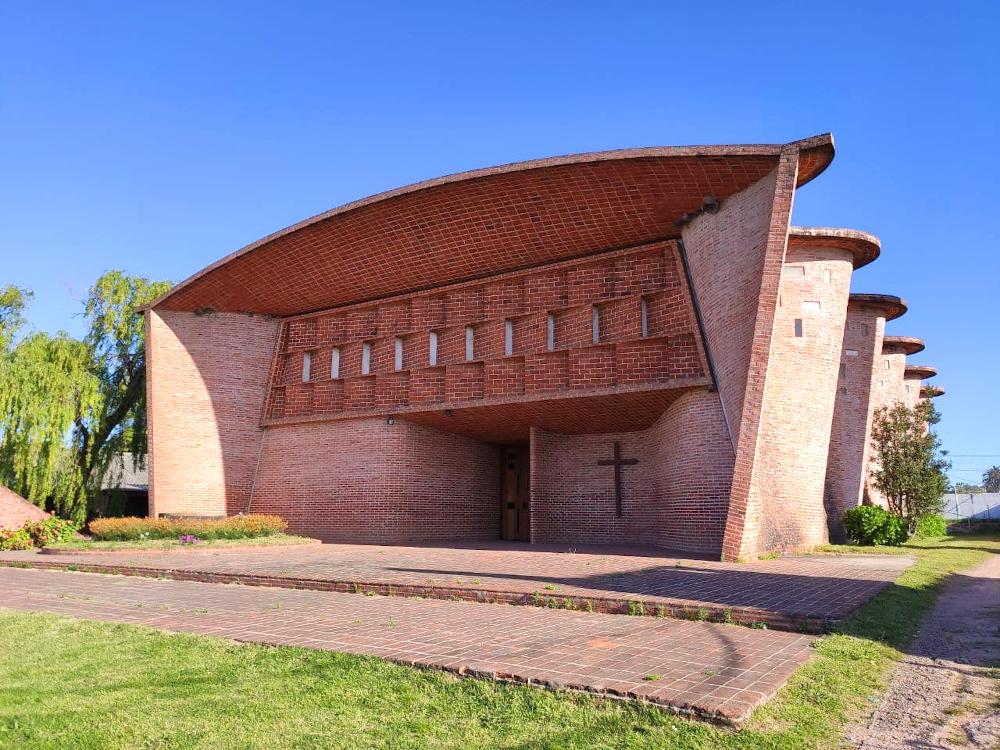 iglesia del cristo obrero eladio dieste